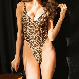 Sexy high rise leopard bodysuit